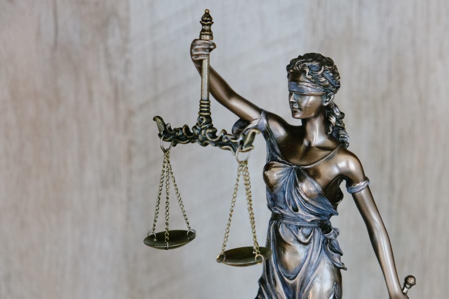 Jakie sprawy prawne i administracyjne załatwisz na stronie obywatel.gov.pl ? Koniecznie sprawdź nasz artykuł!